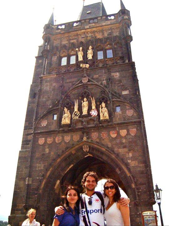 Charles Bridge com Natália e Pedro