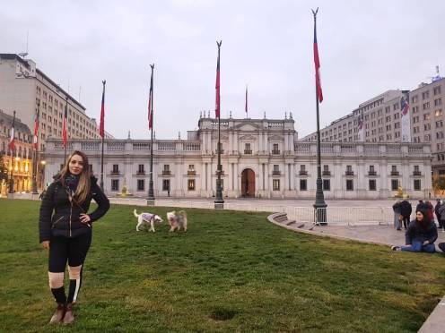 menina em Santiago, no Chile