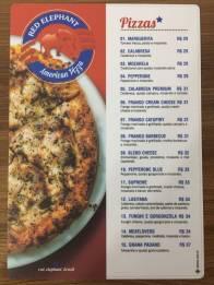 pizzas bem recheadas no cardápio
